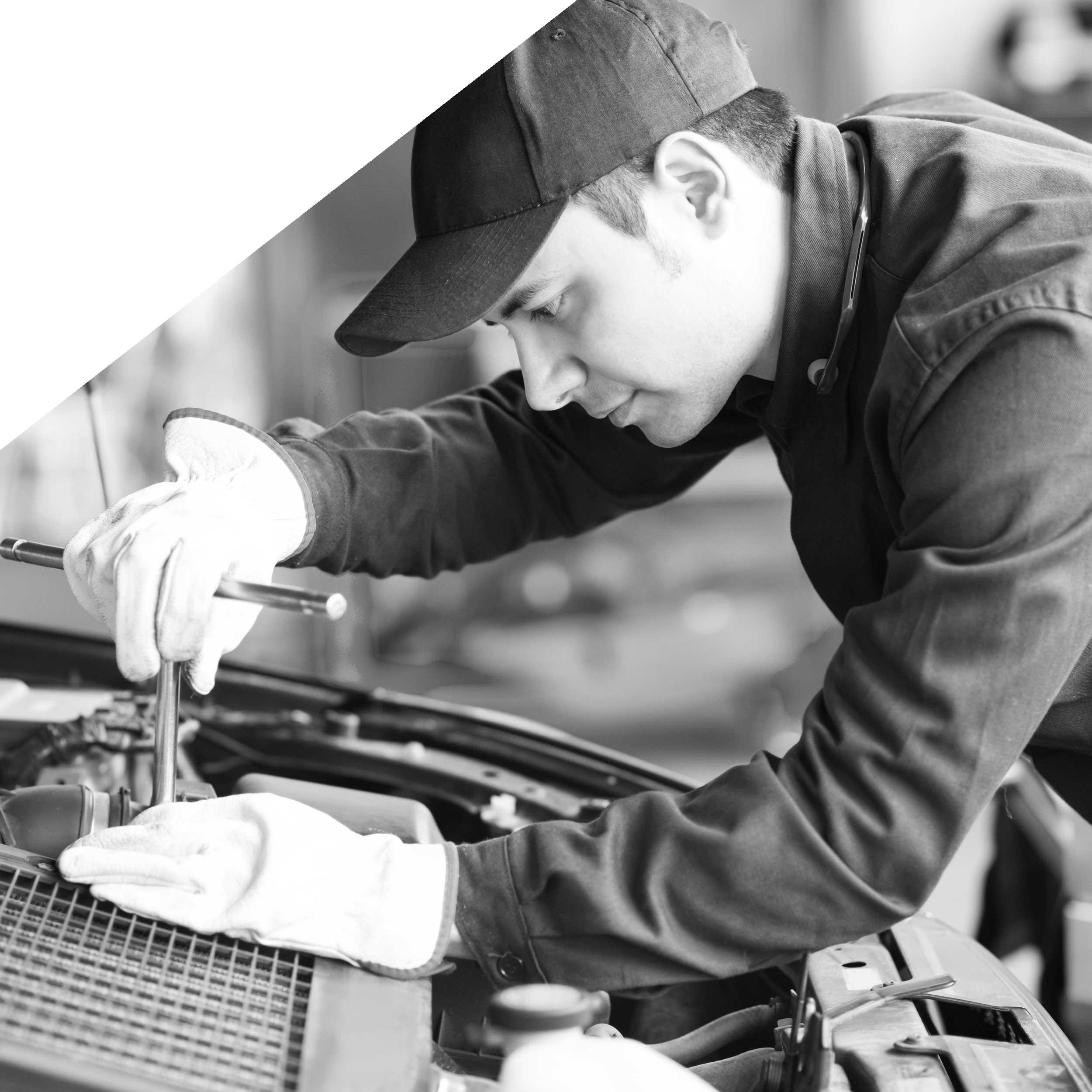 a mechanic providing truck repairs